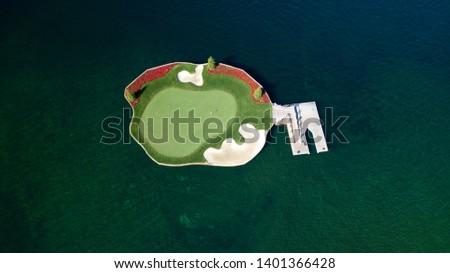 Resort Golf Course Floating Green - Coeur d'Alene, Idaho Photo stock ©