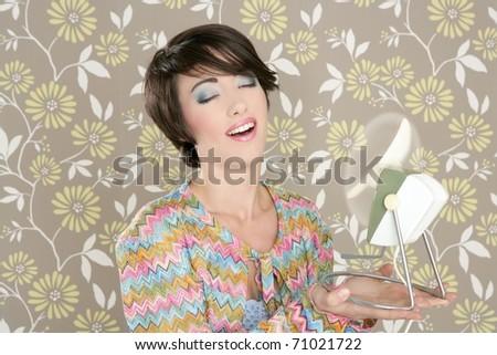 Retro air fan 60s vintage woman portrait floral wallpaper