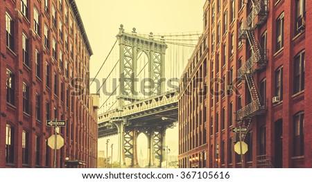 retro stylized manhattan bridge ...