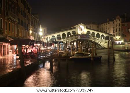rialto bridge in venice - night