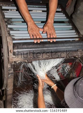 rice noodle manufacture cottage industry vietnam mekong delta