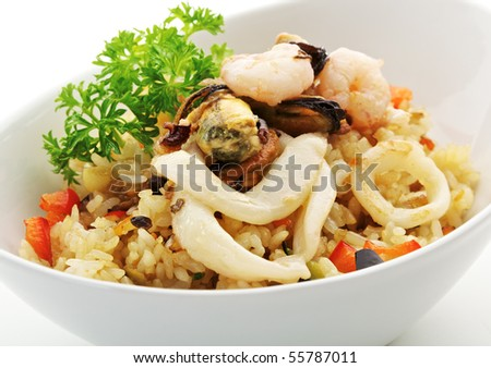 Rice with Seafood, Cabbage, Mushrooms and Paprika
