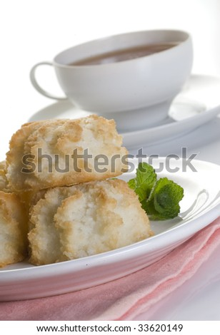 RICH COCONUT cakes for tea time