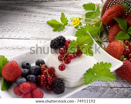 ricotta with soft fruits