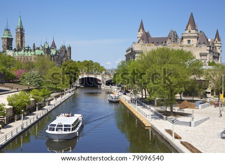 Rideau Canal, boat cruise and Parliament of Canada in Ottawa, Canada