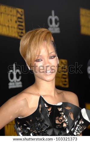 Rihanna at the 2009 American Music Awards Arrivals, Nokia Theater, Los Angeles, CA. 11-22-09