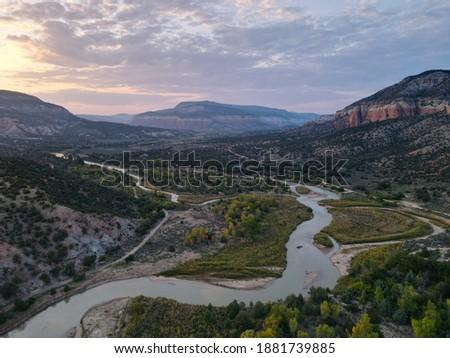 Rio Chama River Valley at Dusk Foto stock ©