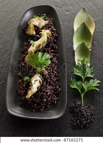 risotto with black rice and artichoke