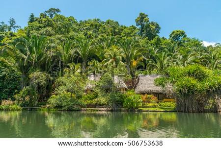 Shutterstock River dulce, Guatemala