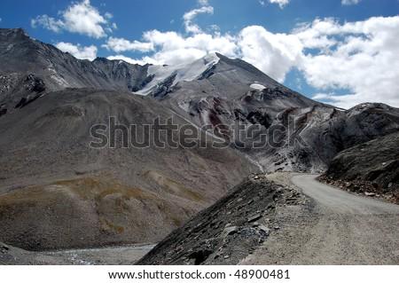 Road between Ladakh and Kashmir
