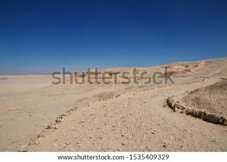 Road in deser Sahara in Amarna, Egypt Zdjęcia stock ©