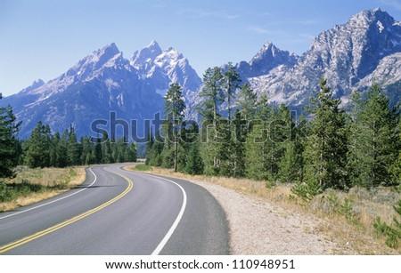 Road in mountain range