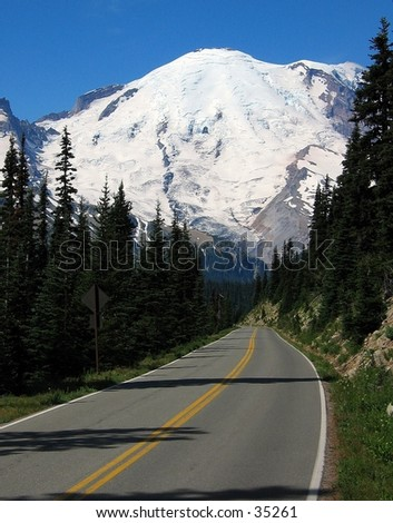 Road to Mount Ranier