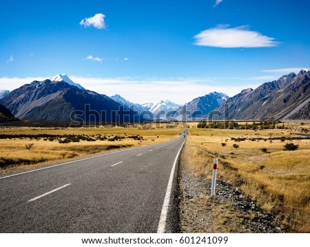 Road to Mt.Cook - Shutterstock ID 601241099
