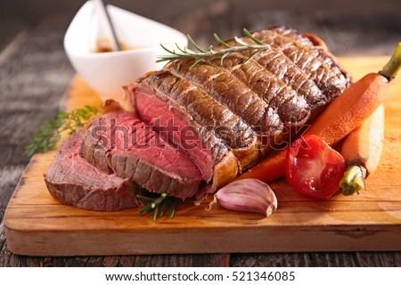 roast beef fillet #521346085