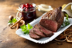 Roast beef with spicy berry sauce