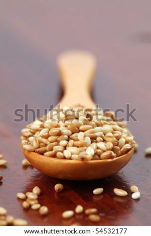 Roasted sesame seeds