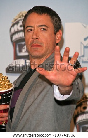 Robert Downey Jr. at the 2008 MTV Movie Awards Press Room. Gibson Amphitheatre, Universal City, CA. 06-01-08