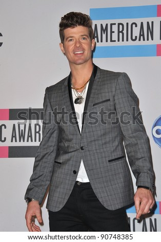 Robin Thicke at the 2011 American Music Awards at the Nokia Theatre L.A. Live in downtown Los Angeles. November 20, 2011  Los Angeles, CA Picture: Paul Smith / Featureflash