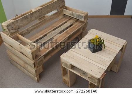 robust bench and table from pallets