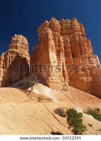 rock formations in bryce canyon in utah