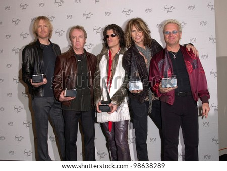 Rock group AEROSMITH at the 28th Annual American Music Awards in Los Angeles. 08JAN2001.   Paul Smith/Featureflash