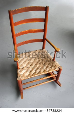 Collectibles-General (Antiques) / Child's Rocking Chair w/ wicker seat