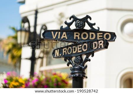 Rodeo Drive cross street signs Stockfoto ©