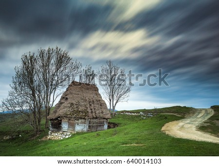 Romanian traditional house #640014103