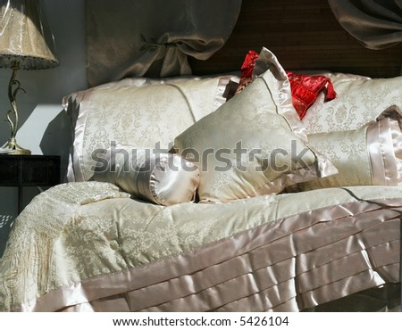 romantic bedding