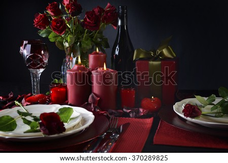 Romantic candle light Valentine Table Setting for two with red roses gift and burning candles & Free photos Romantic Valentine Candle Light Dinner for Two Table ...