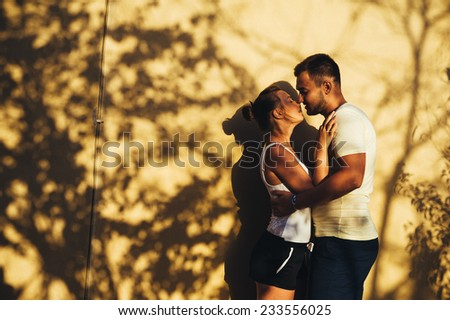 Romantic couple during tropical vacation romantic wedding for Tropical vacations for couples