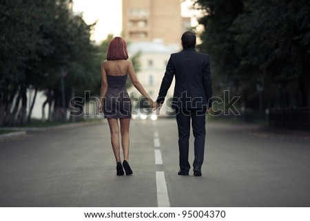 romantic photos of couples in love on the street