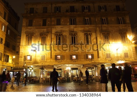 ROME - MARCH 17: night life in Trastevere on March 17, 2013 in Rome, Italy. Today Trastevere is one of the centers of Roman night life; rich in pubs, restaurants, clubs.