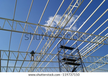 Roof Structure constructing