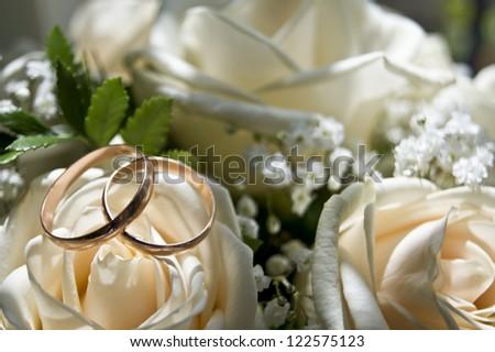 rose wedding rings