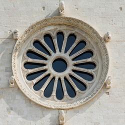 Rose window of Trani Cathedral (Cattedrale di San Nicola Pellegrino), Trani, Puglia (Apulia), Italy