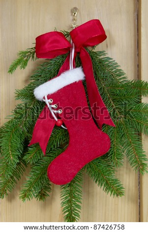 Roter Nikolausstiefel zum Weihnachtsfest aus Filz