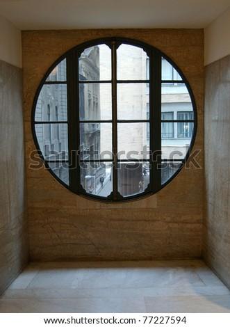 Round glass window