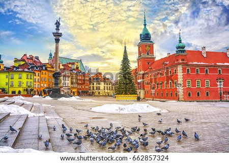 Royal Castle, ancient townhouses and Sigismund's Column in Old town in Warsaw on a Christmas day, Poland, is UNESCO World Heritage Site. #662857324