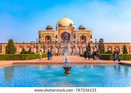 Royal views of the first garden-tombon the Indian subcontinent. The Tombis an excellent example of Persian architecture. Located in the Nizamuddin East area of Delhi, India. Humayun Tomb in Delhi.