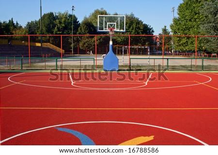 Rubber basket ball terrain, one half side.