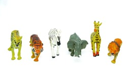 Rubber toys in the shape of wild animals africa. Namely tigers, lions, zebras, giraffes, elephants and cheetahs