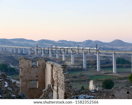 Ruined house wall of the Spanish civil war in 'Roden', Spain. Stock foto ©