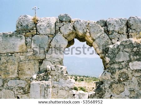 ruined stone archway in anceint ruined city on turkeys mediteranean coast