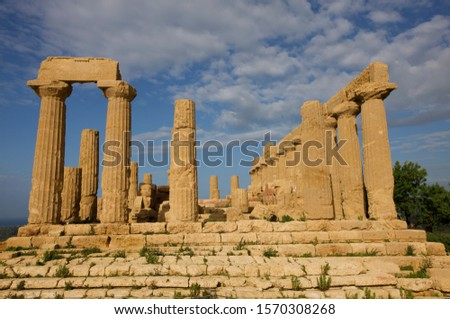 Ruined Temple of Hera or Temple of Juno Lacinia, Valley of the Temples, Agrigento, Sicily, Italy