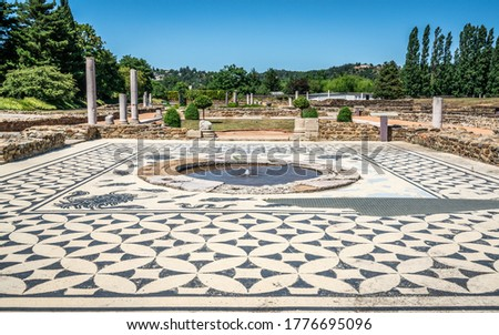 Ruins of ancient Roman buildings and houses in the archeological Gallo-Roman site of Saint Romain en Gal Vienne France Foto stock ©