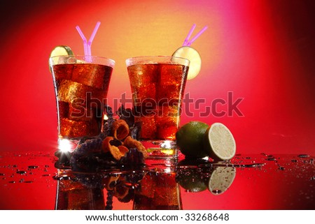 Rum and coke - Cuba Libre - with exotic chips