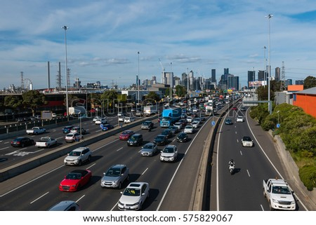 Rush hour on Melbourne's West Gate freeway