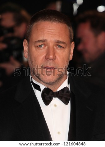Russell Crowe arriving for the premiere of 'Les Miserables' at Leicester Square, London. 05/12/2012 Picture by: Alexandra Glen - stock photo